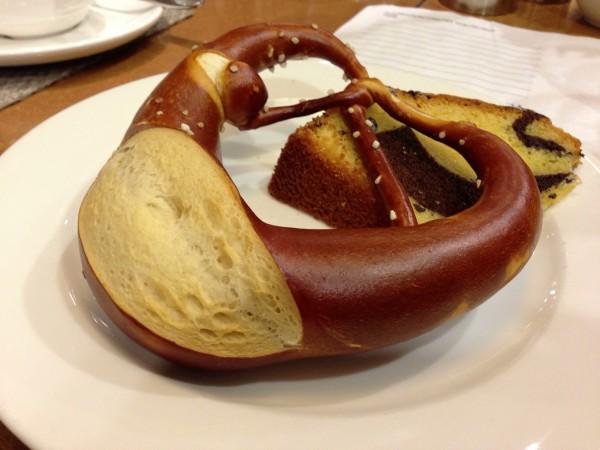 シュツットガルトで食べたプレッツェル!