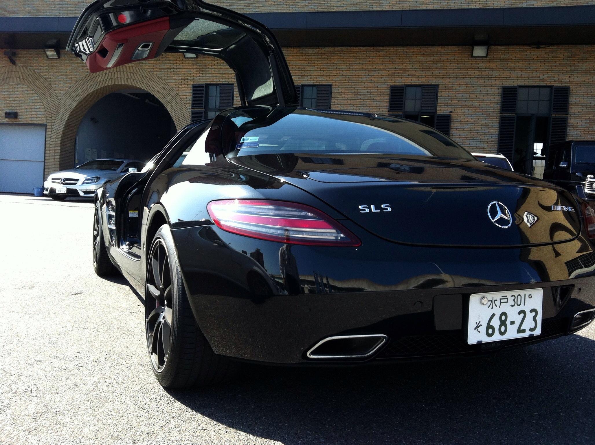 自然吸気の6.3リッターV8エンジンが吼える!極上のスーパースポーツカーSLS AMG!AMG Performance Tour2012
