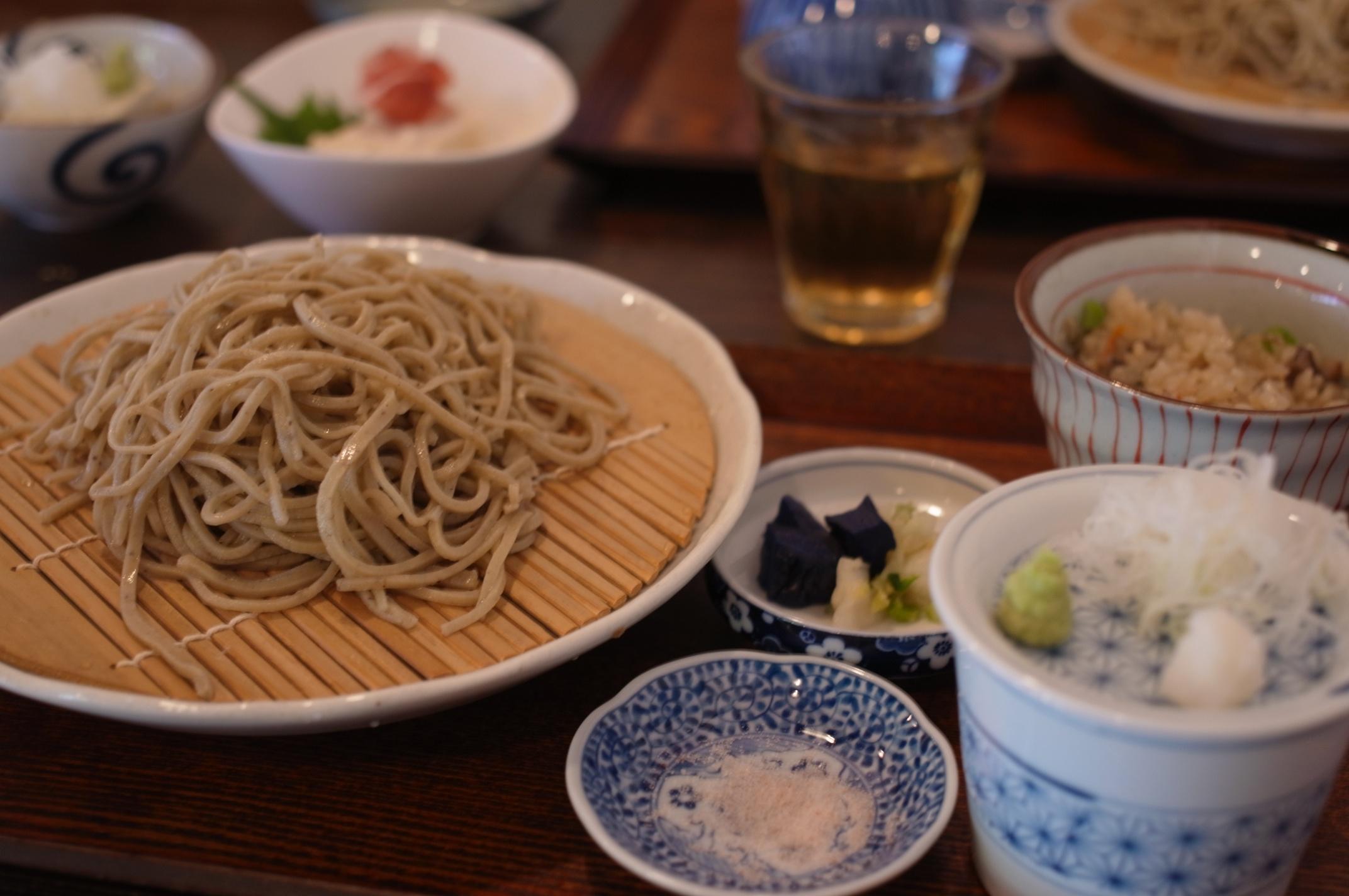 【糸島】糸島らしさ全開!古民家をそのまま利用したリラックス空間で蕎麦をいただいた!「そばきり 桜花」