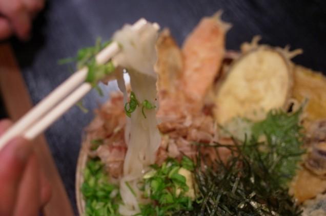 麺だ!ピンボケ!