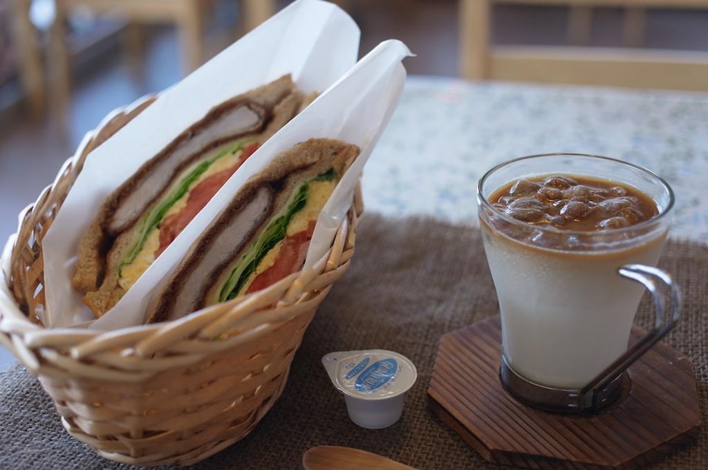 【糸島】熱々のできたてホットサンドがたまらなく美味い!暑い日は氷コーヒーと一緒に食べるのがオススメ!「伊都ホットサンド笑顔」