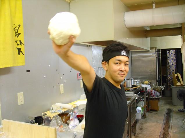 2005年オープン直後の大将!若い!けど、お客さんはめちゃ少なかった!