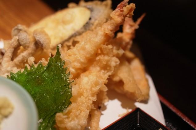 天ぷら別アングル。ため息が出るような美しさ!