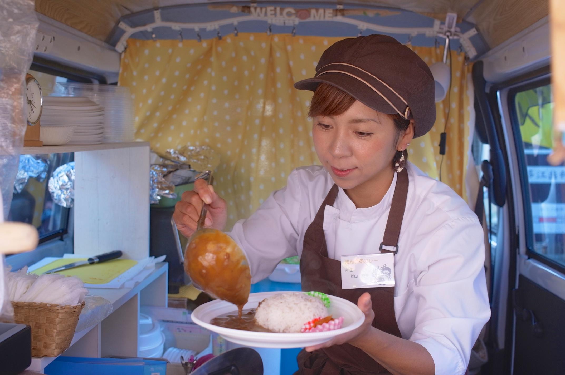 【糸島】月に一度の軽トラ市!「伊都ホットサンド笑顔」「まんまる」が出店でグルメグランプリの再現!
