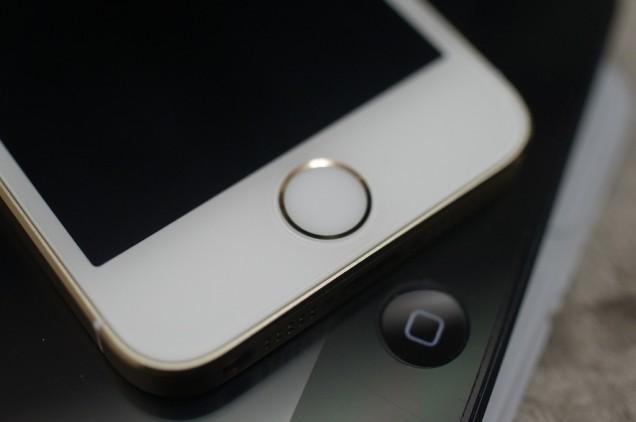こちらはiPhone 5s!