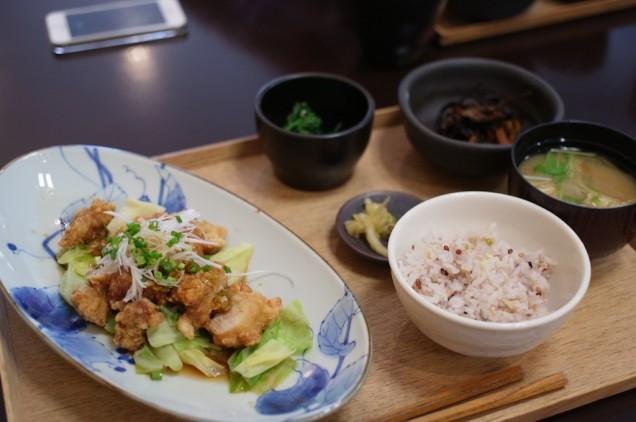 これが温野菜と出水鶏のネギたっぷりソース定食!