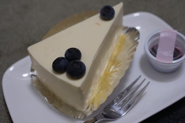 レモンがきいたレアチーズケーキ!