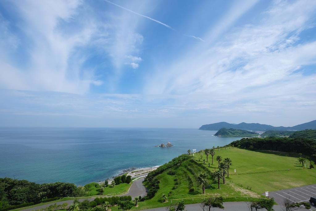 晴れた日の二見ヶ浦の海!コレぞ糸島の眺めだ!