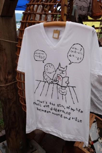 手書きのTシャツ!すごく気になりました…