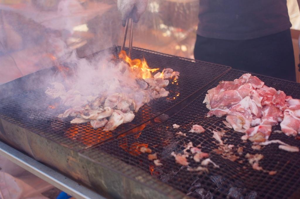 豚を焼きまくり!