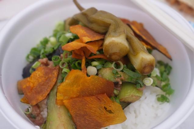 惣菜畑がんこのなす肉みそ丼!前日とかなり変わってバージョンアップしていました!