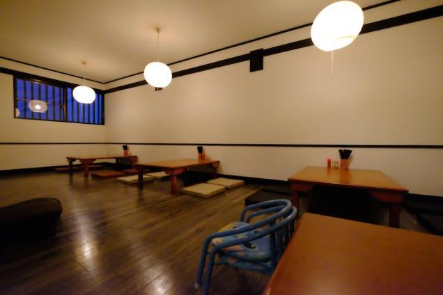 座敷は3テーブル!もう1テーブルあるので、場合によってはもう少し入れそうです。