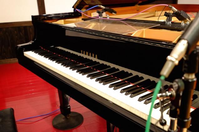 重厚な雰囲気のピアノ!