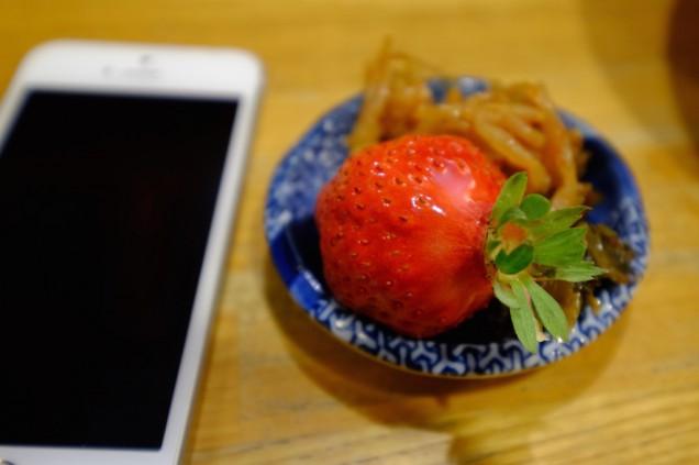 この時期は甘いイチゴも食べることができます!