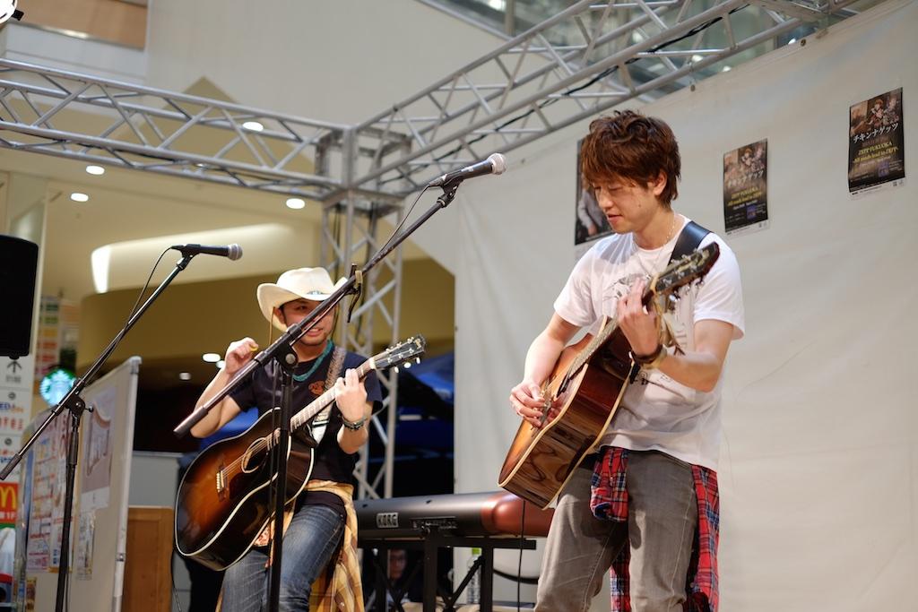 チキンナゲッツ Live in イオンモール伊都 – 一時的に二人になった貴重なライブ