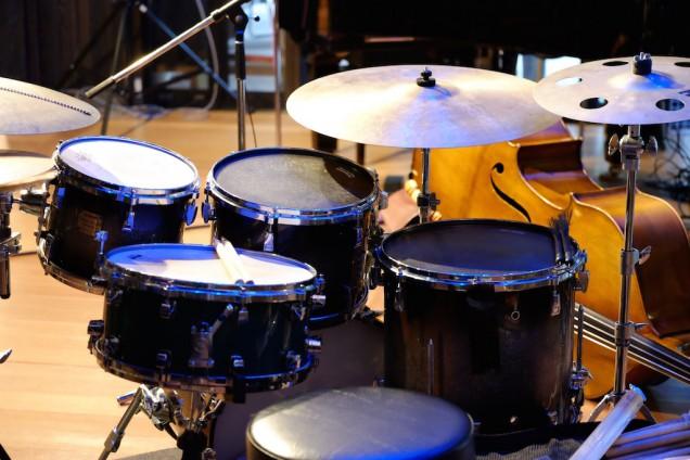 ドラムセットはコンパクト