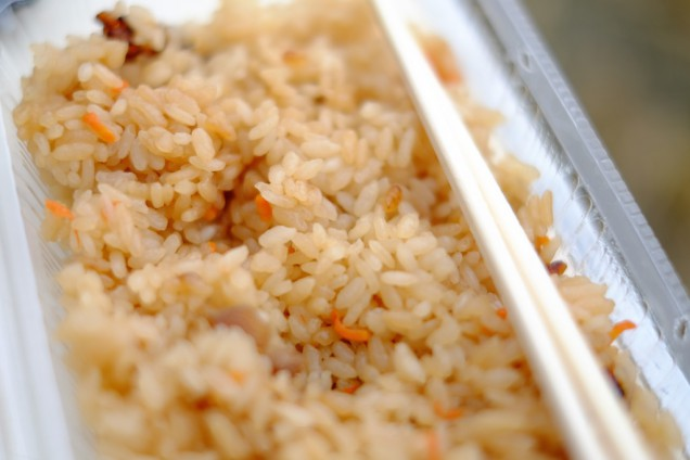 惣菜畑がんこさんのかしわご飯は安定の美味さ!