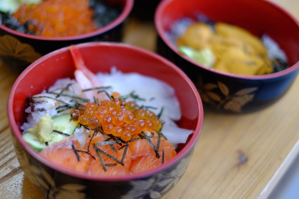 特選海鮮丼!