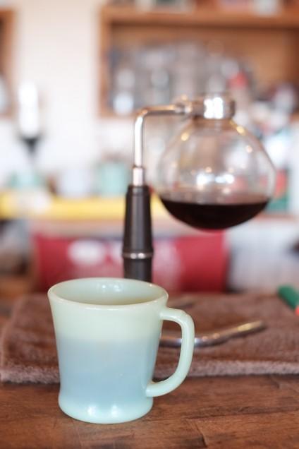 コーヒーをいただきながら会話も弾む