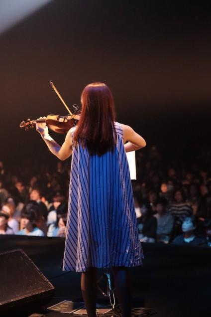 バイオリン奏者藤縄さん