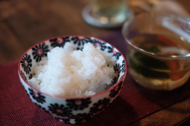 ご飯は白米でした!