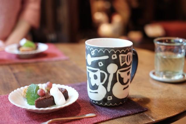 大好きなカップでコーヒーをいただく