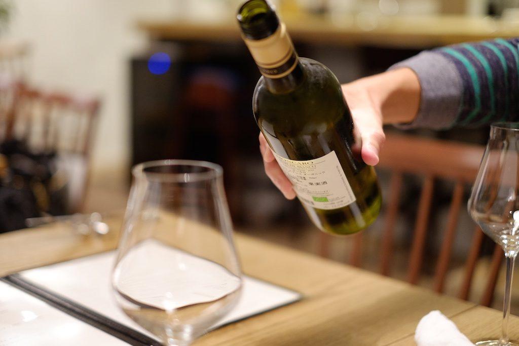 川添さんとワインをいただきながら…